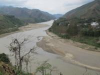 Nêu các vùng hay xảy ra ngập lụt, lũ quét, hạn hán ở nước ta. Cần làm gì để giảm nhẹ tác hại của các loại thiên tai này? Ở nước ta động đất hay xảy ra ở những vùng nào?