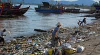 Hãy nêu nguyên nhân gây ô nhiễm ở môi trường đô thị và nông thôn.